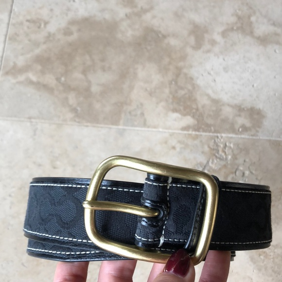 209cea51e923 Black Coach logo belt